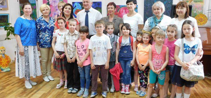 Звітна виставка учнів відділення образотворчого мистецтва ВДШМ «Веселкова палітра»